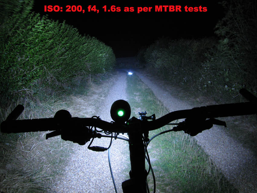 Full Review: ITUO WIZ 1 & 2 900 Lumens USB rechargeable and wireless bicycle light-15plbeam1.jpg