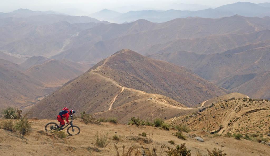 Biking in Peru-16-middletraildsc00579.jpg
