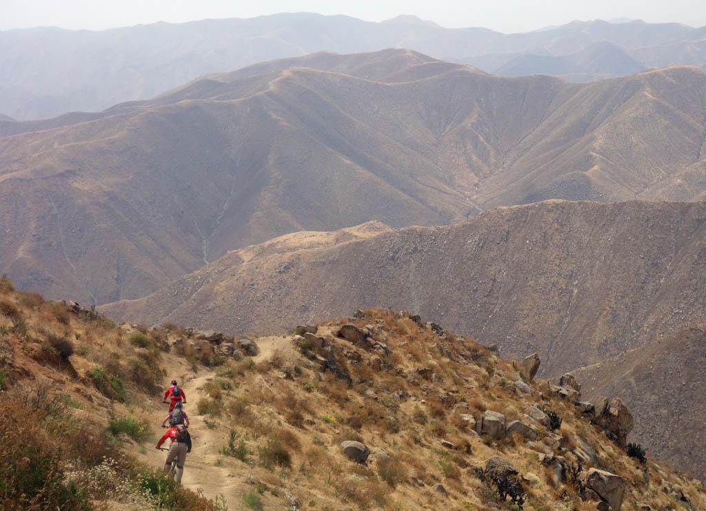 Biking in Peru-17condor-ridgedsc00601.jpg