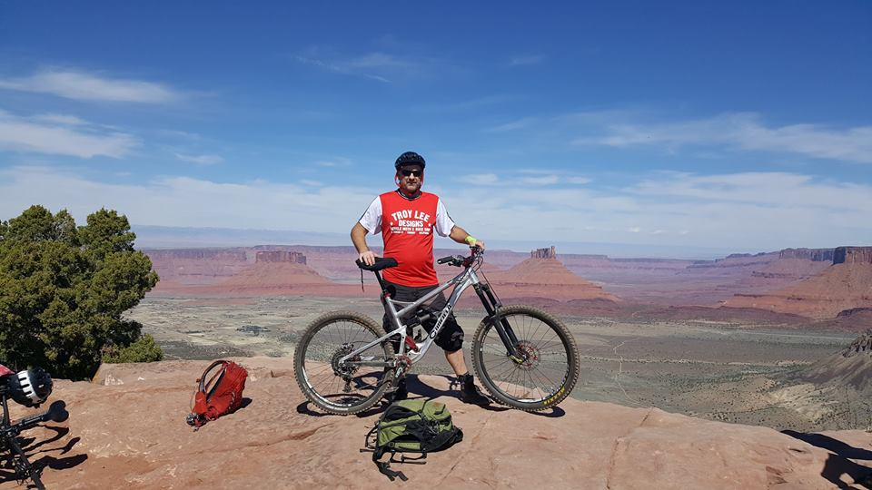 Moab with Lance Canfield....-18198359_10211945628616732_979629909416044545_n.jpg