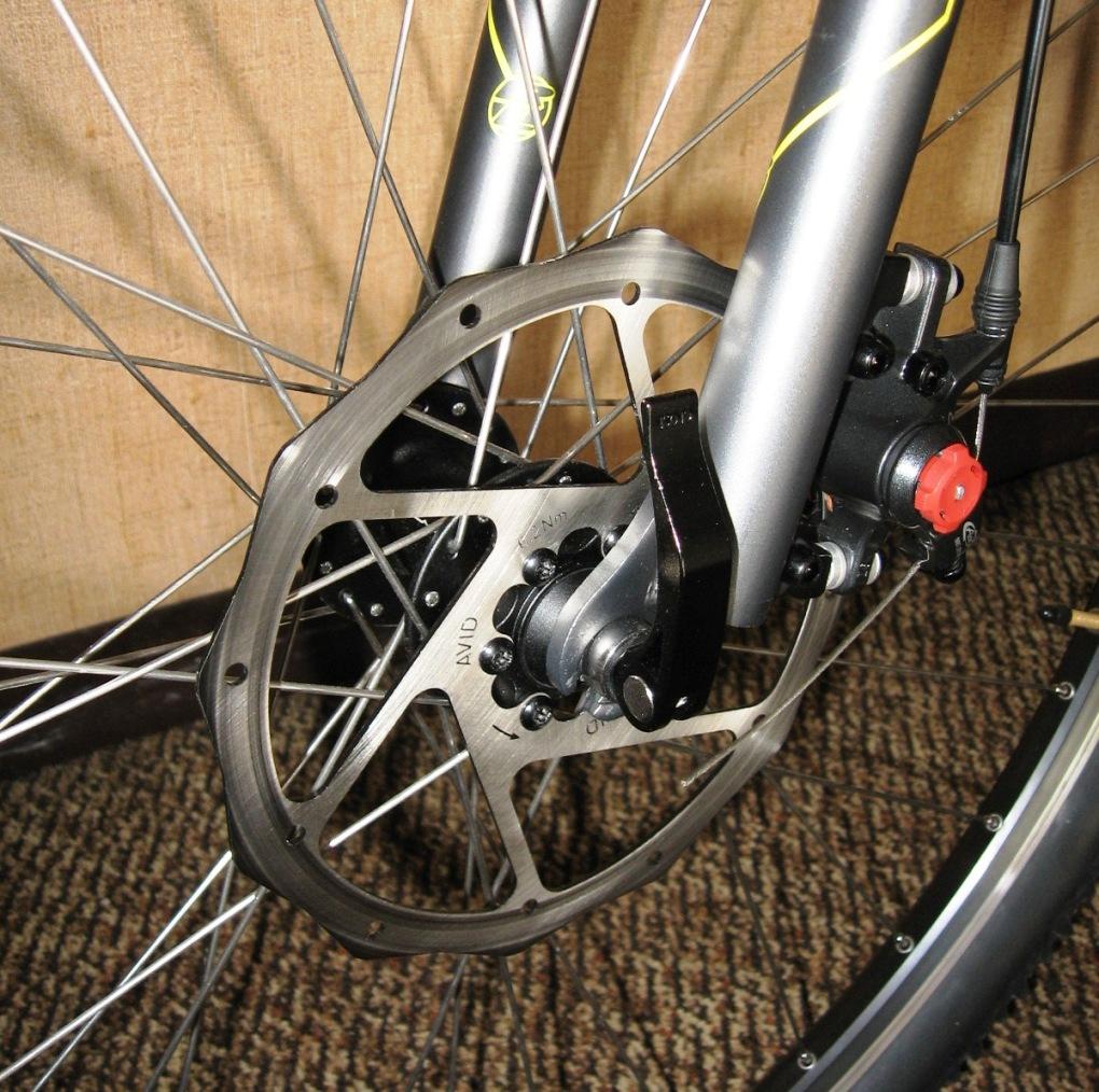 09 Monocog V-brake clearance-185mm-close-up.jpg