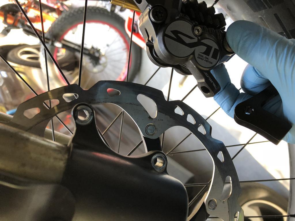 DNM USD 6 Fat First Gen Which IS Brake mount adapter-1876d6c8-d7f1-4032-8f39-a7ae50218b25.jpg