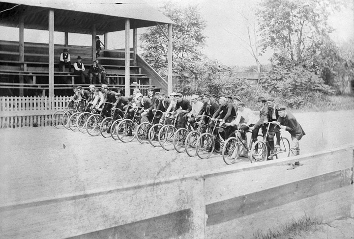 1897 Dirt Bike-1894.jpg