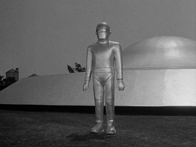 Earth:-1951-day-earth-stood-still-002-gort.png