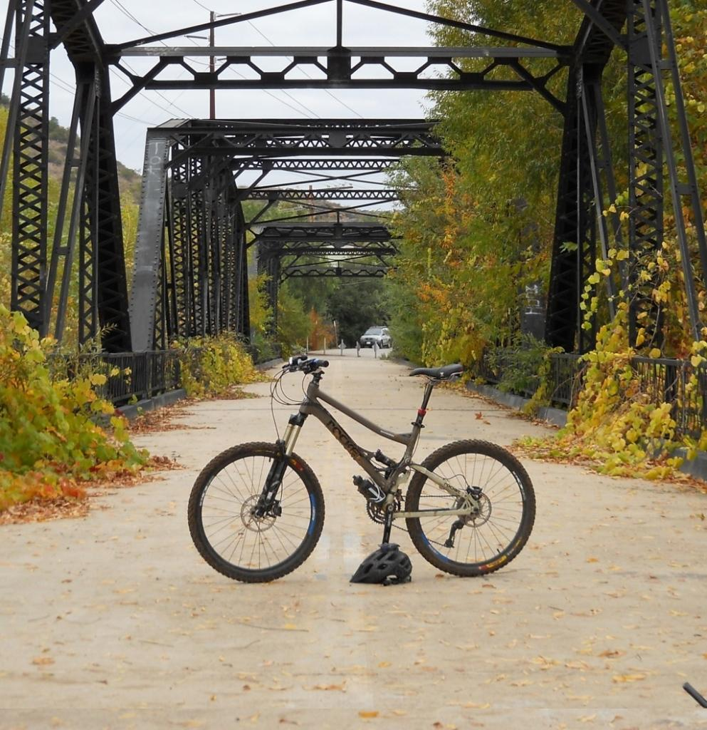 Should I take the plunge and buy this full suspension mountain bike?-2.jpg