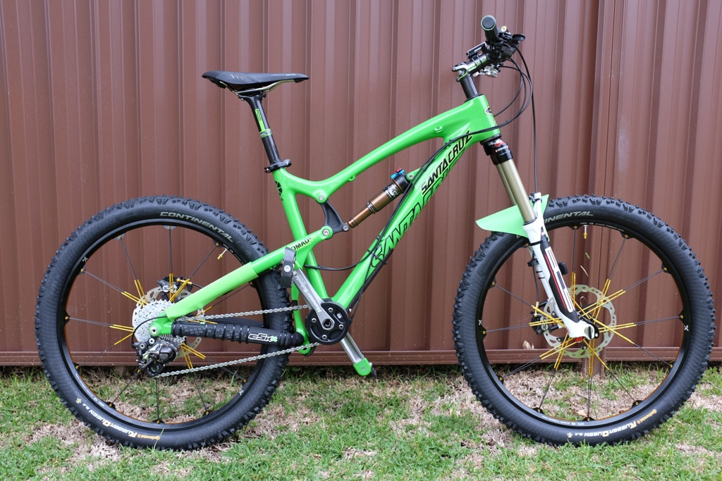 The new 2014 Santa Cruz Nomad 27.5.-2-side-flat.jpg