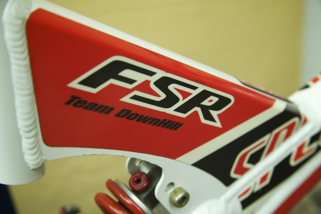 Specialized FSR MAX backbone-2000-fsr-team-dh-s-works-9.jpg