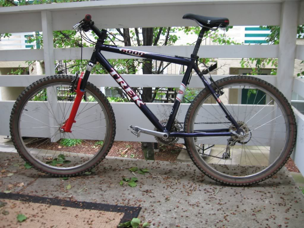 Need help identifying bike thanks-2007-09-22bikes2002.jpg
