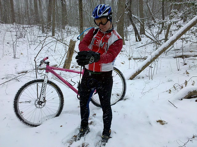 Niner Carbon forks on non-Niner frames - pics please-2010-01-30-snow-ride-mike2.jpg