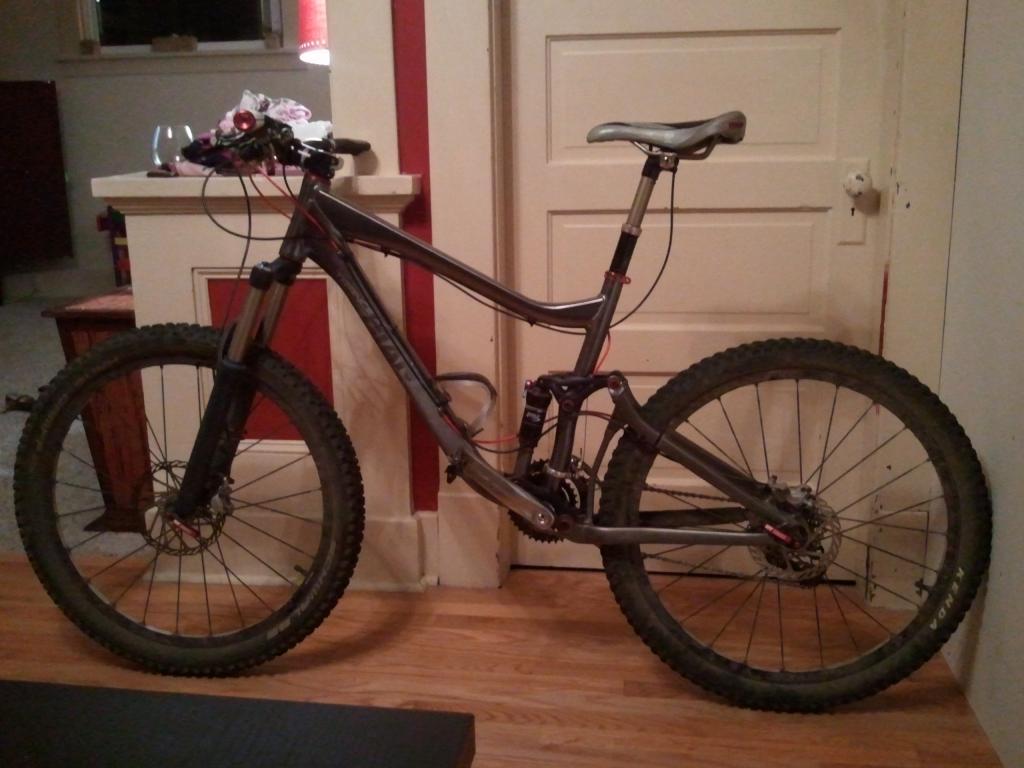 Another Stolen Bike! 2008 Giant Trance X, totally custom build, Bellingham-2011-09-01-22.47.23.jpg