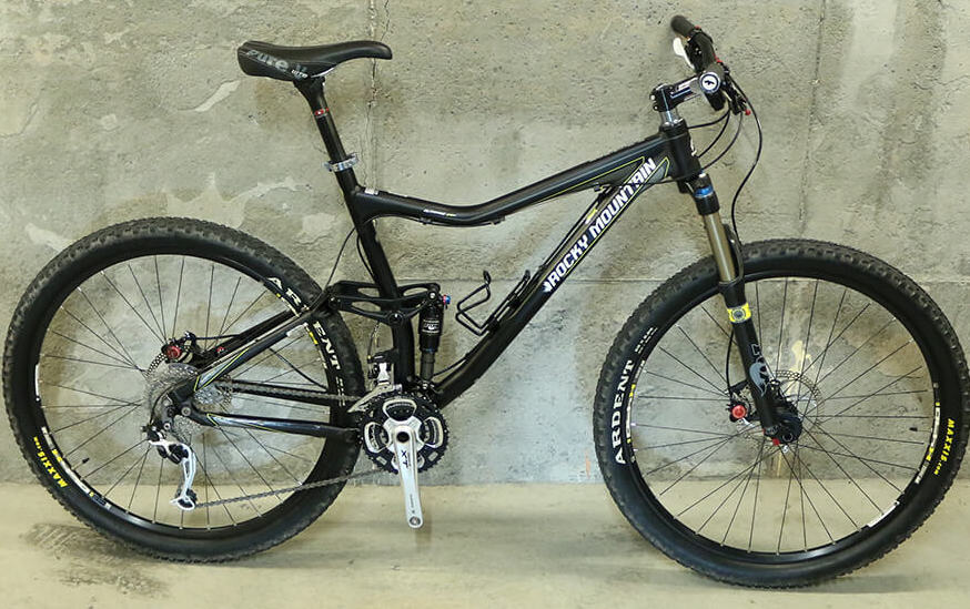Looking for a new bike-2011-rocky-mountain-altitude-29-se-trade-.jpg