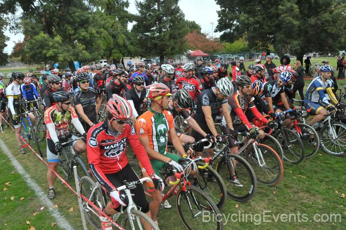 Sacramento Cyclocross starts this weekend 9/23 - new B SS class!-20111105217.jpg