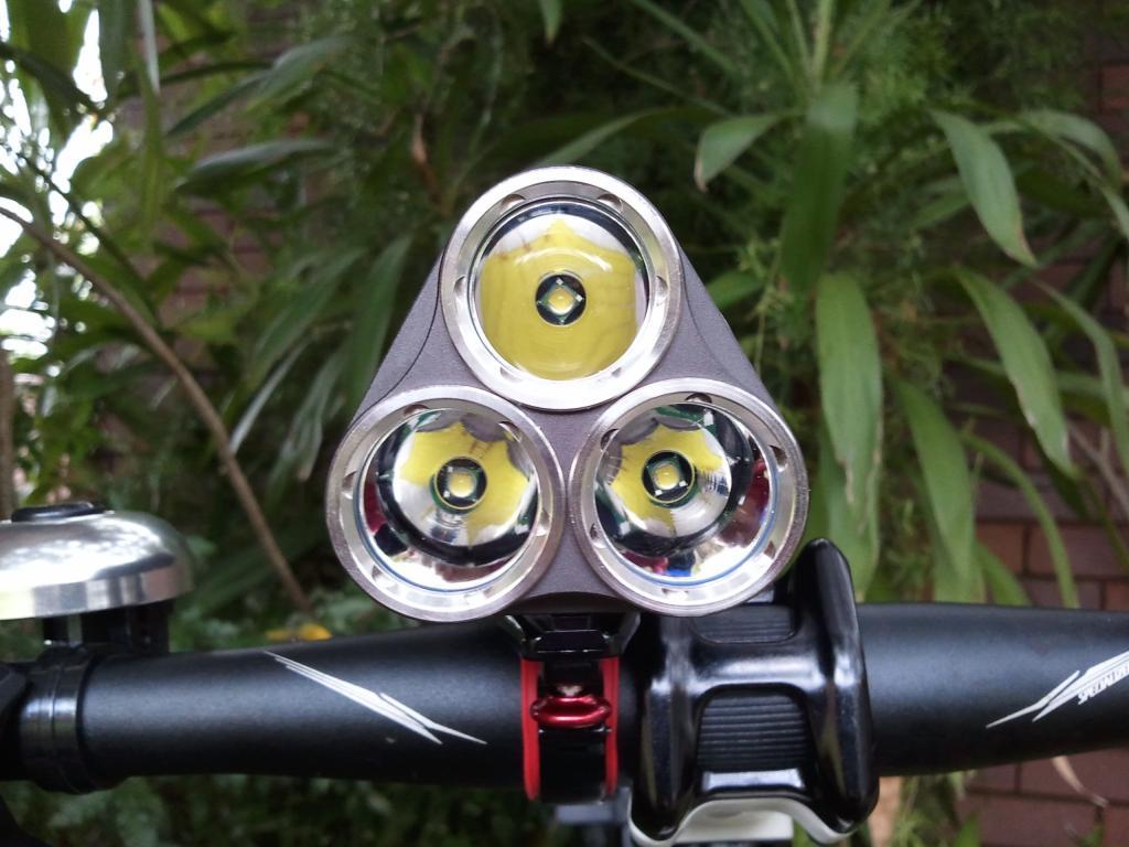 High Lumen self contained bar lights-2012-04-08-11.44.22.jpg