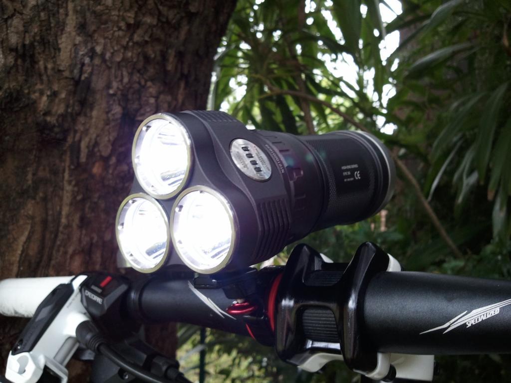 High Lumen self contained bar lights-2012-04-08-11.45.19.jpg