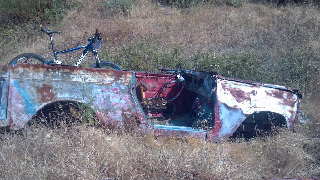 The Abandoned Vehicle Thread-2012-05-27_16-41-02_57.jpg