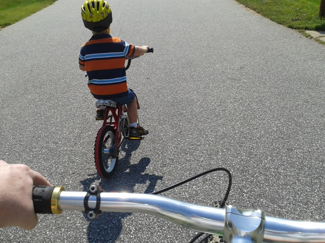 Teaching kids to ride: Strider? Or training wheels?-2012-09-22-12.08.25.jpg