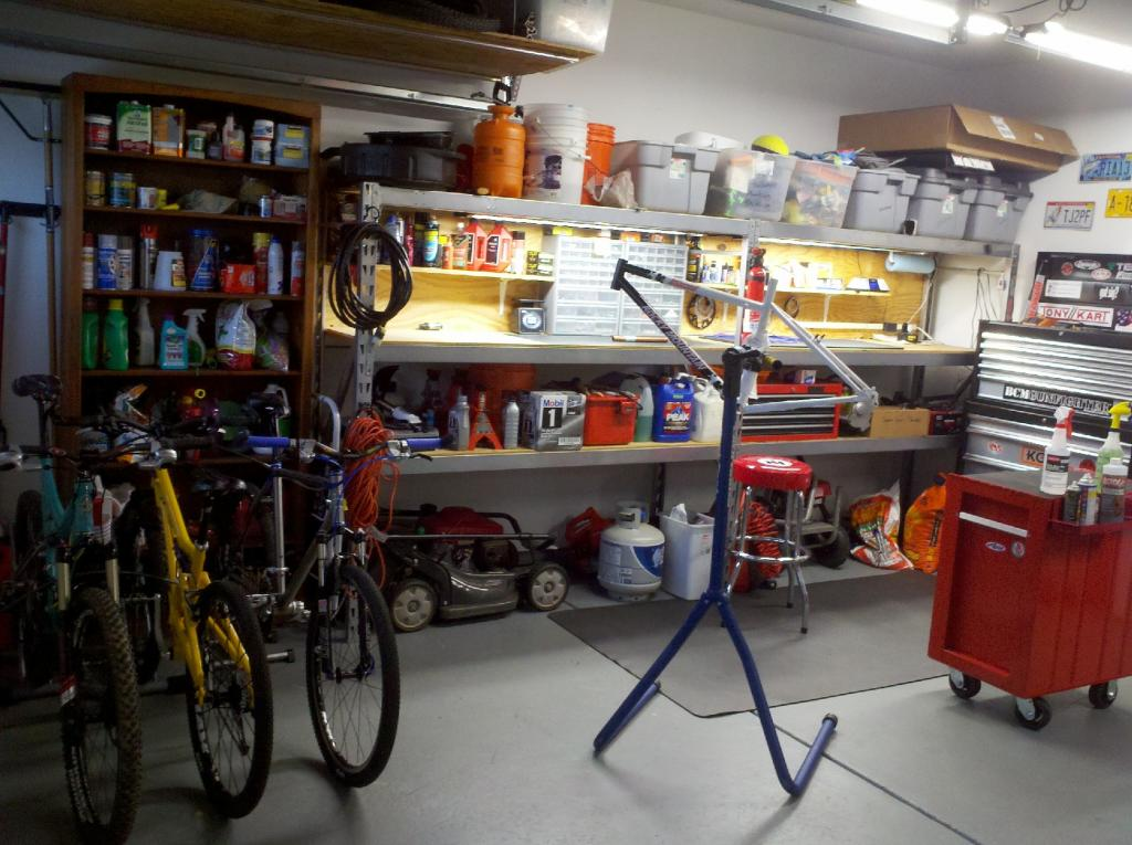 "The ""What's your shop look like?"" thread-2012-10-29_17-36-56_752.jpg"