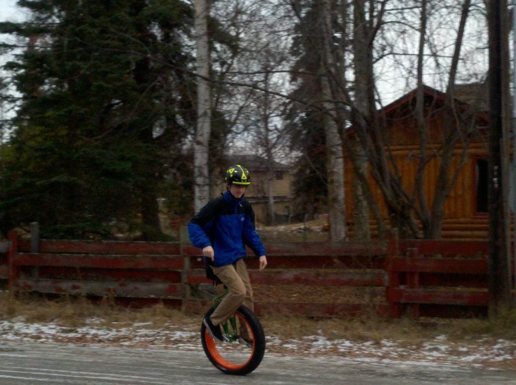 Fat Unicycle-2012-11-02_12-06-41_867.jpg