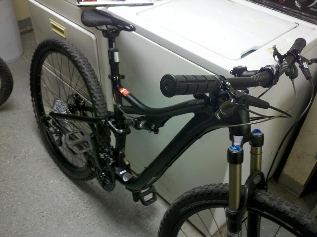 My new 2013 Specialized Stumpjumper FSR Comp 29er!!!!-2012-12-15_00-04-55_793.jpg