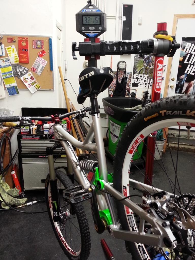 I may now own the ultimate all mountain bike (in my opinion)-2012-12-27-18.50.42small.jpg