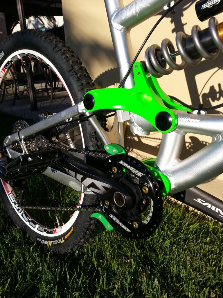 I may now own the ultimate all mountain bike (in my opinion)-2012-12-28-08.16.23small.jpg