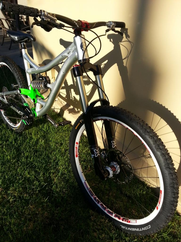 I may now own the ultimate all mountain bike (in my opinion)-2012-12-28-08.16.33small.jpg