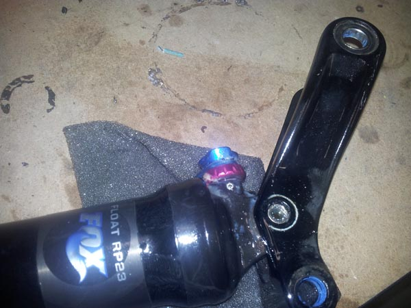 rear shock major screw-up: HELP PLEASE!-2012-12-29-16.51.29-copy.jpg