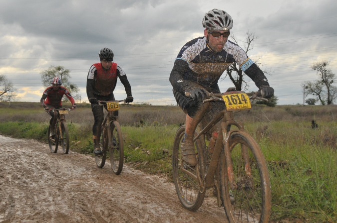 "Prairie City race Series MUD photos posted - ""Prairie-Roubaix""??!-20120411082.jpg"