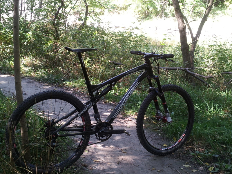 HEY WW's. Could you post your FS bike and your groupset and components used.-20120901095144.jpg