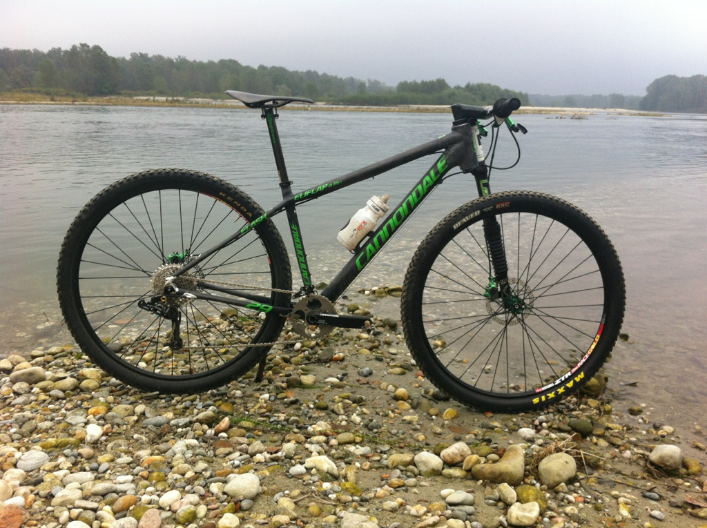 Post your light-weight bikes!-20121014-113519.jpg