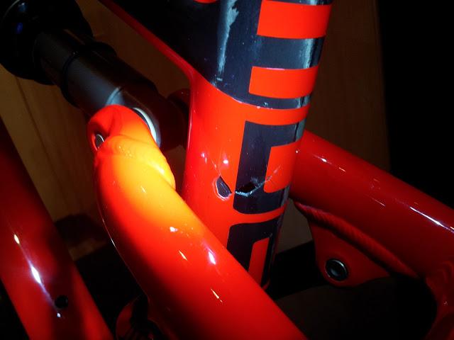 2012 Camber Carbon frame cracked..3 months old.-20121231_224819.jpg