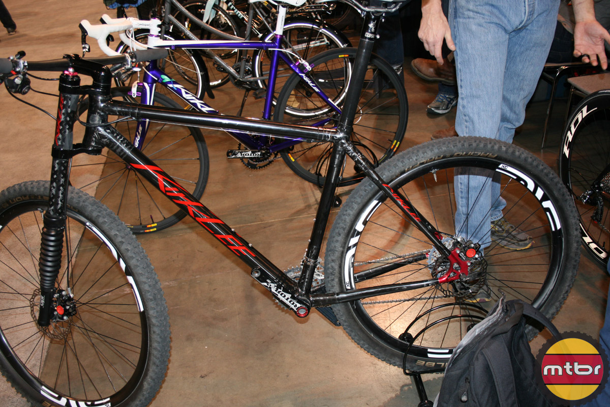 Kirk Lee Lefty equipped hardtail