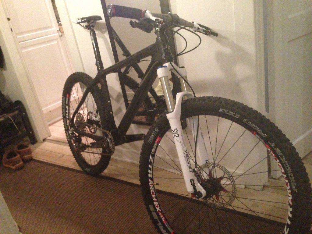 My new 650b race bike-2013-04-10-23.01.18.jpg