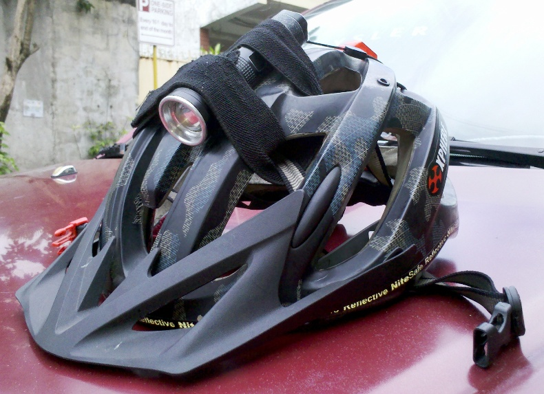 Self contained helmet mount lights for commuting-2013-09-14_12-17-12_307b.jpg