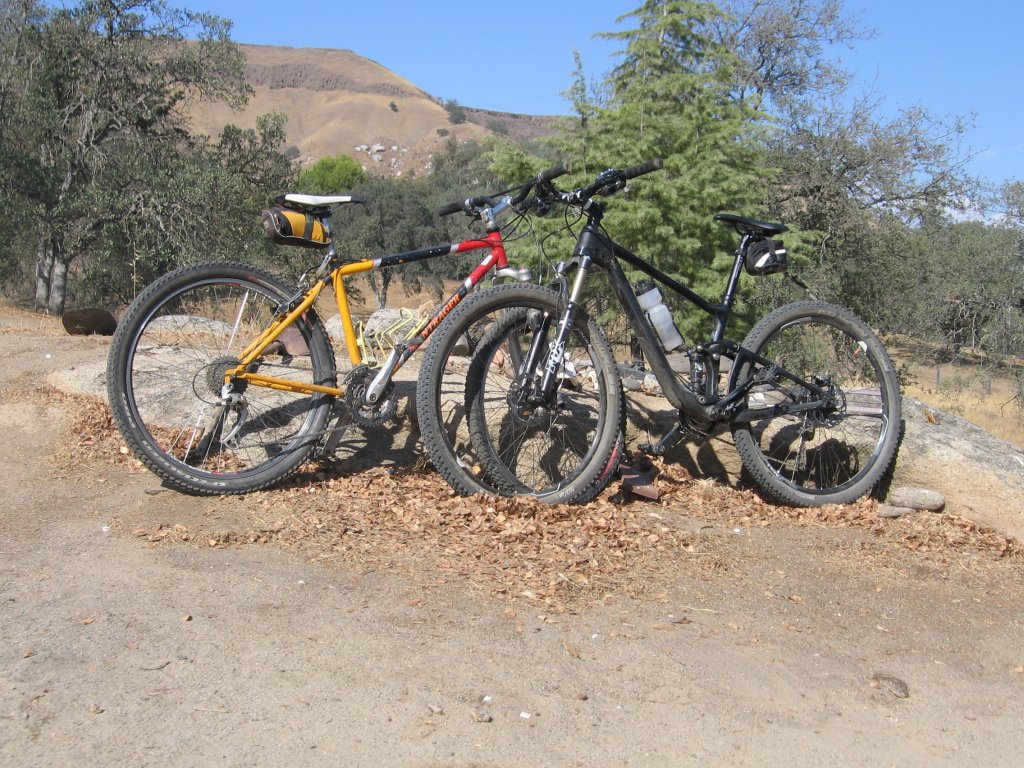 Show us a picture of your 26er MTB that you still use on the trails-2013-10-13-14.43.20.jpg