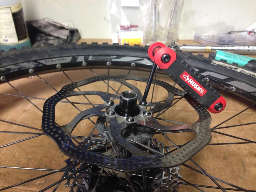 Hi Lo rear disc hub service/replacement-2013-11-19-14.32.23.jpg