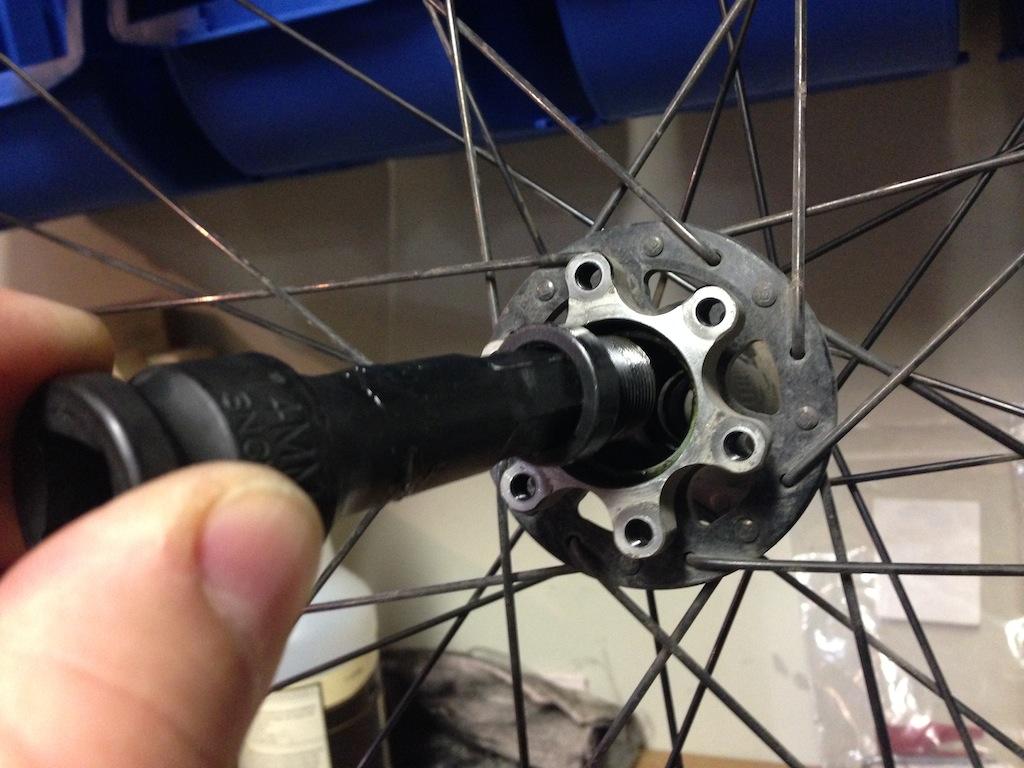 Hi Lo rear disc hub service/replacement-2013-11-19-14.44.41.jpg