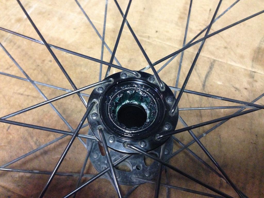 Hi Lo rear disc hub service/replacement-2013-11-19-14.45.16.jpg