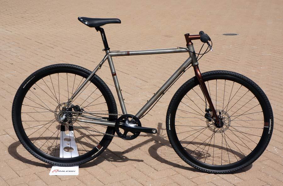 Direct Sale + IGH + 29er + Flatbar + Disc-2013-raleigh-tripper-steel-commuter-bike01.jpg