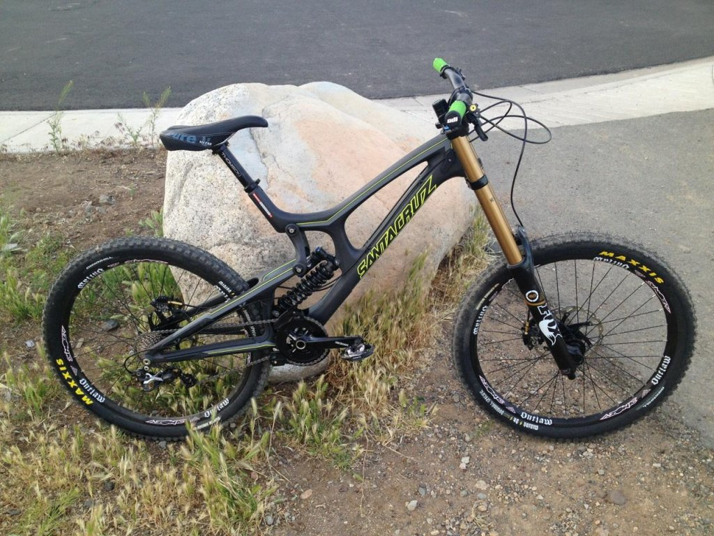 santa cruz carbon v10-2013-santa-cruz-carbon-v10-reno-tahoe-nv-ca-black-rock-bicycles.jpg