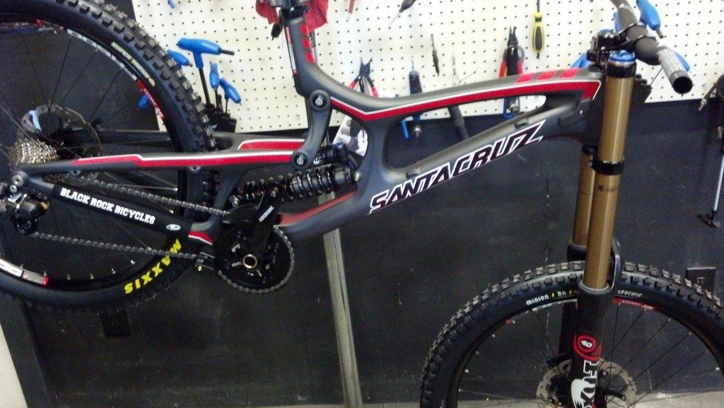 2013 v10 med frame-2013-santa-cruz-v10-carbon-%40-black-rock-bicycles-reno-tahoe.jpg