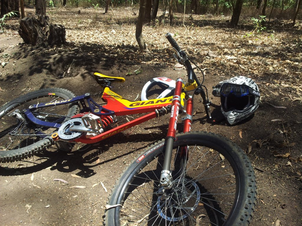 Old School DH bikes-20130330_121312.jpg