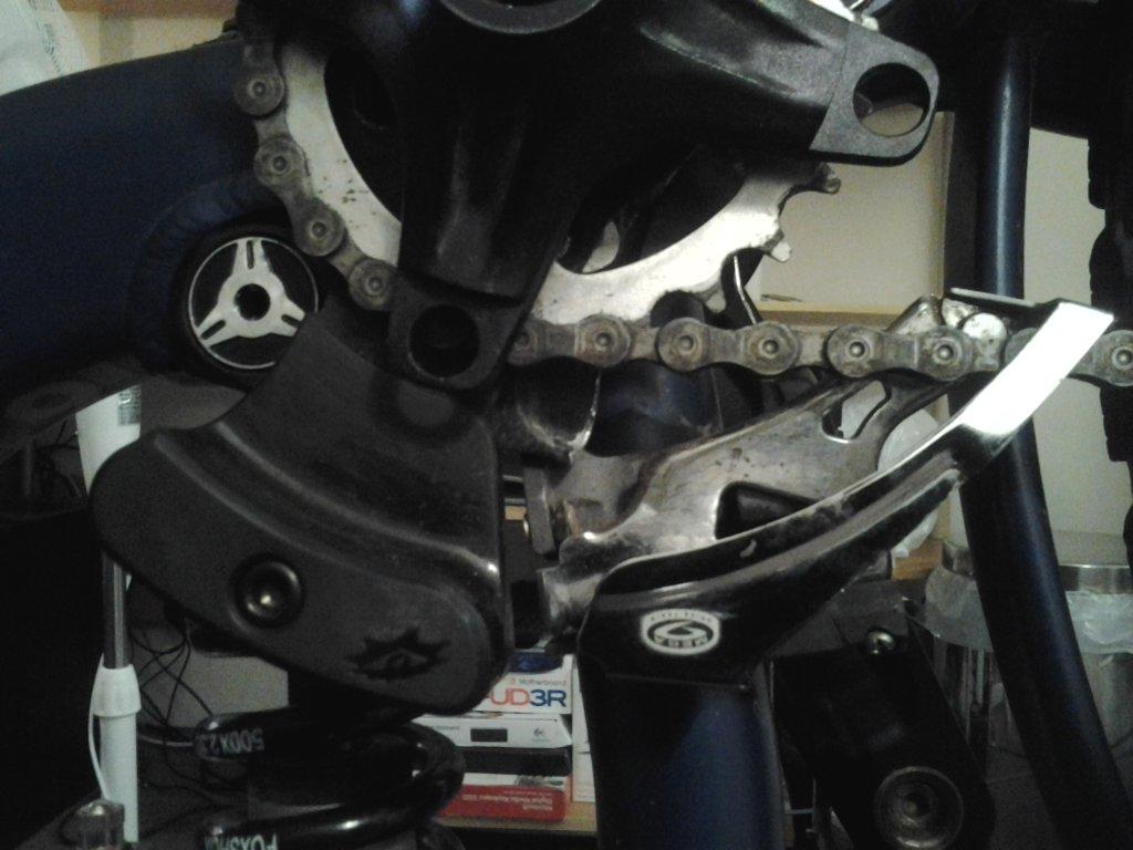 Broken rear suspension linkage-20130426_213906.jpg