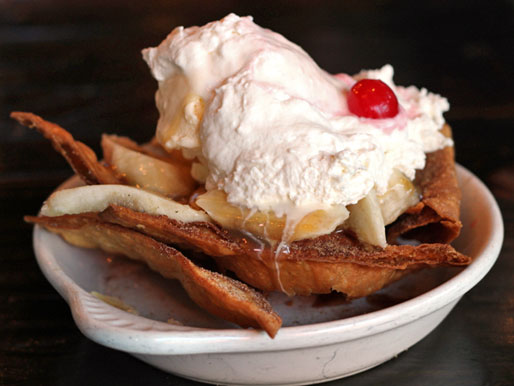 Of Decadent Desserts and Deserts thread...-20130618-256467-deep-fried-chicago-rockit-burger-bar-dessert-nachos.jpg