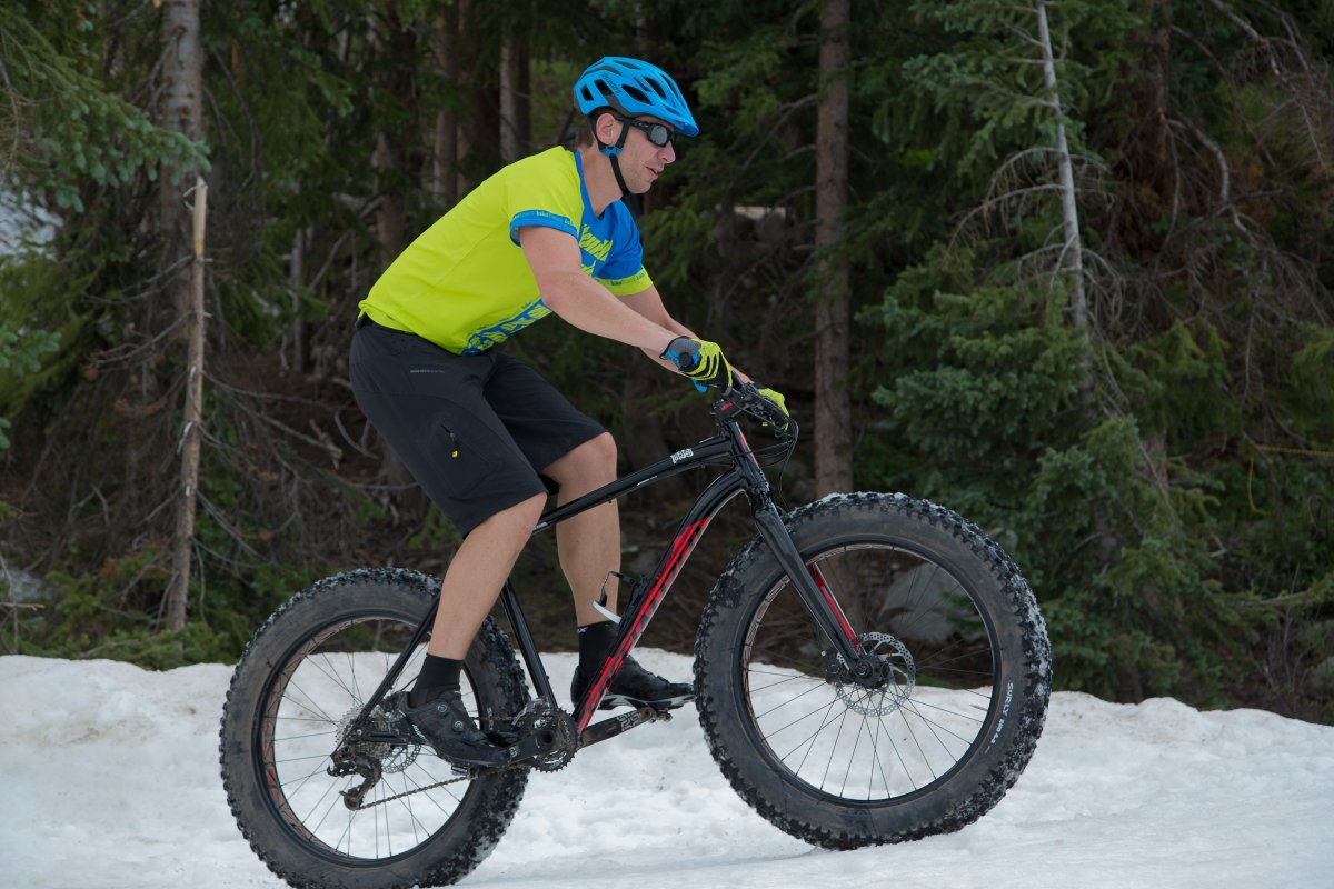 Specialized Fatboy in Snow