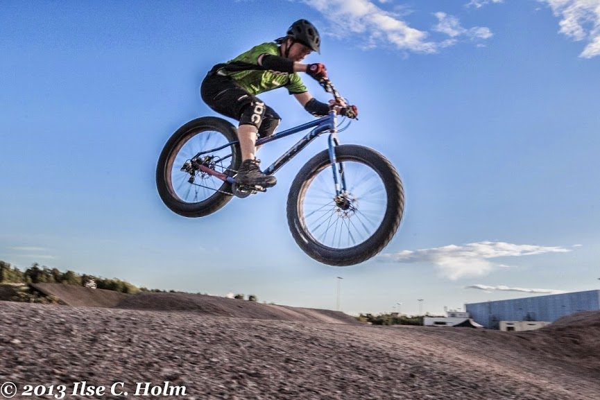 Fat Bike Air and Action Shots on Tech Terrain-201308011112-%25u002525281200x800%252529.jpg