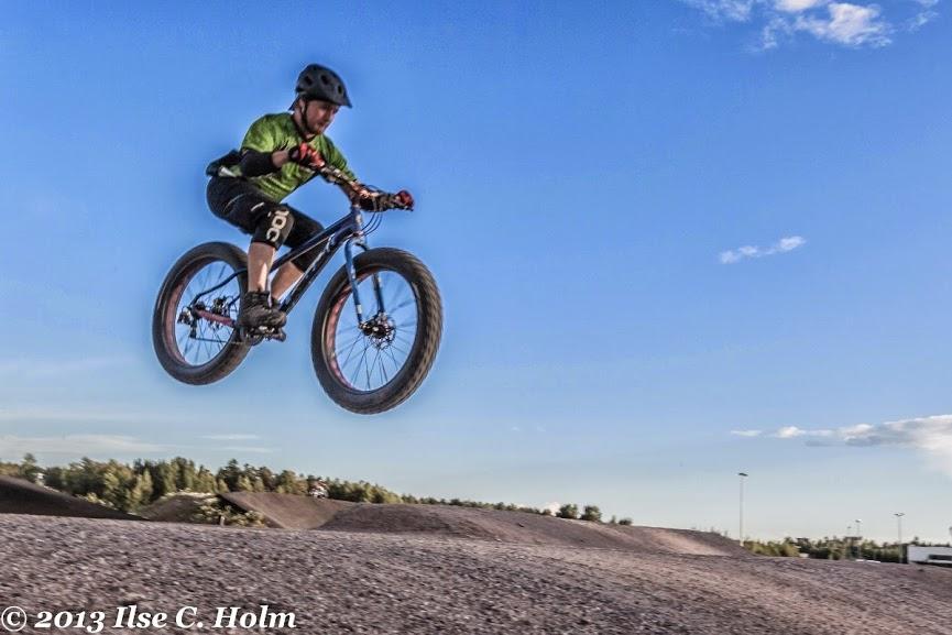 Fat Bike Air and Action Shots on Tech Terrain-201308011122-%25u002525281200x800%252529.jpg