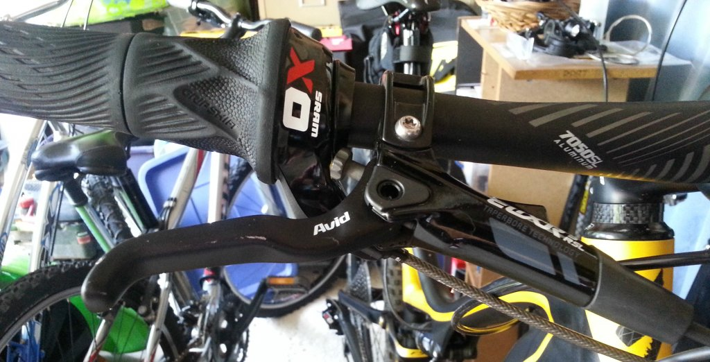 XO Trail brakes and Grip Shift Compatability?-20130810_121737_edited.jpg
