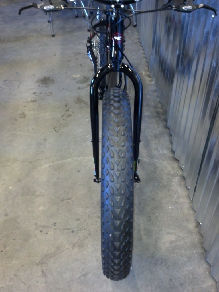 We just recevied our 2014 KHS 4 Season 3000 Fat Bikes......-2014-khs-4-seasons-3000-black-rock-bicycles-9-.jpg