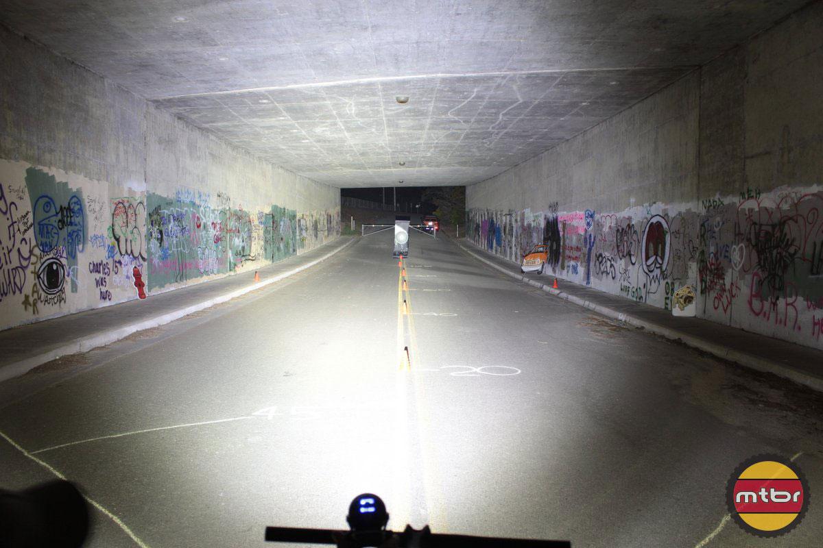 Lupine-Betty R 10 - 2014 Mtbr Tunnel Test